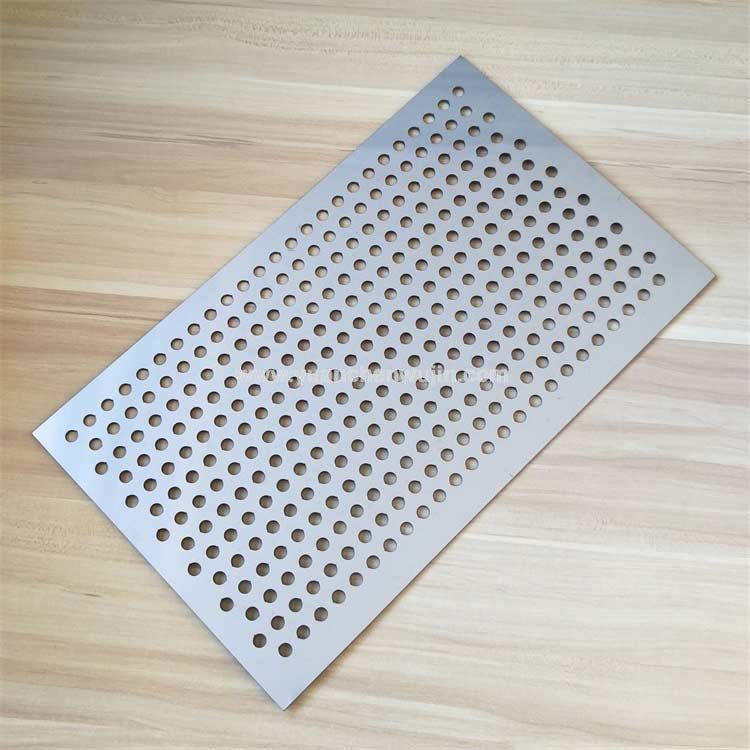 Stainless Steel Cutting of Heat Sink Porous Plate